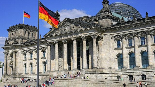 Almanya meclis binasının güvenliğine takviye