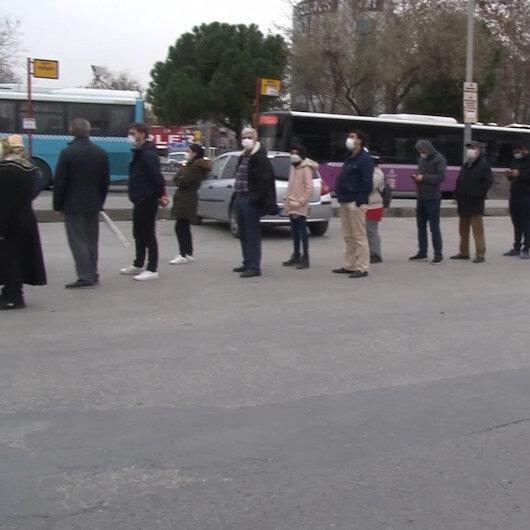 İstanbul'da vatandaşların HES kuyruğu isyanı: İki gündür gelip gidiyoruz, sıra gelmiyor