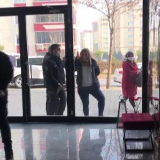 Kahramanmaraşta polise, Artistliğiniz kime? diyen kadın, bu kez de güzellik salonunun camını yumrukladı