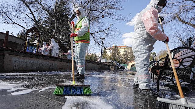 Toplum Bilimleri Kurulu Üyesi İlhan'dan su kullanımı uyarısı: Sokakları fazla miktarda su ve sabunla yıkamak su israfı