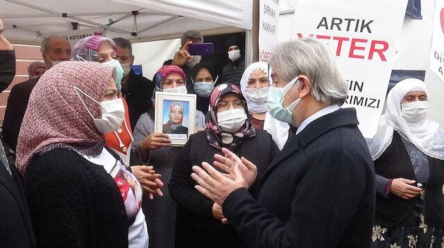 Kültür ve Turizm Bakan Yardımcısı Demircan evlat nöbetindeki aileleri ziyaret etti