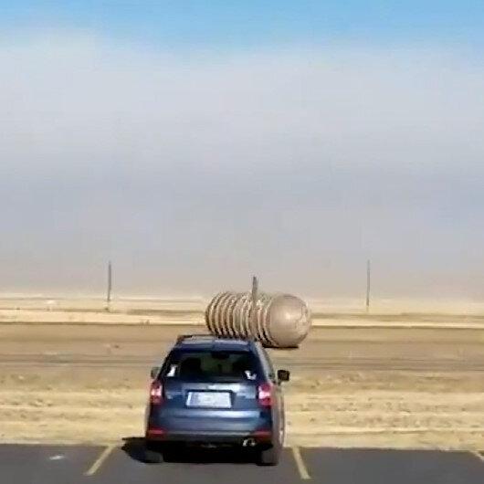ABDde fırtınayla sürüklenen içi dolu yakıt tankı trafikte panik yarattı