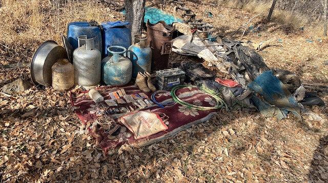 Bitlis'te PKK'lı teröristlere ait mühimmat ve yaşam malzemesi ele geçirildi