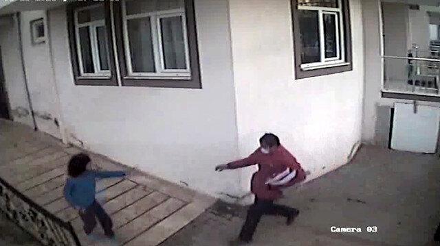 Kargo görevlisi dehşeti: Fotoğrafını çeken otizmli çocuğu dövdü