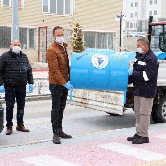 'Sıfır Atık Projesi' kapsamında atık varillerden sokak hayvanlarına yuva