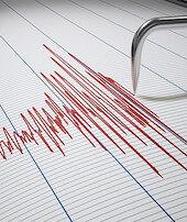 İzmirde deprem oldu