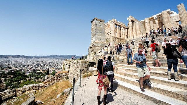Yunanistan'ın tek umudu turizm: Ülkeye girişlerde aşı zorunluluğu aranmayacak