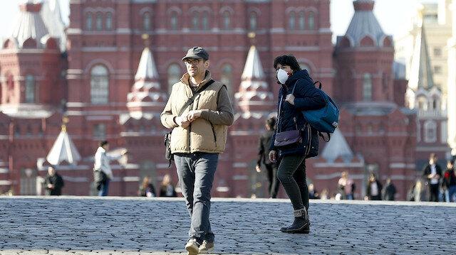 Rusya'da bin 500'e yakın farklı türde koronavirüs mutasyonu tespit edildi