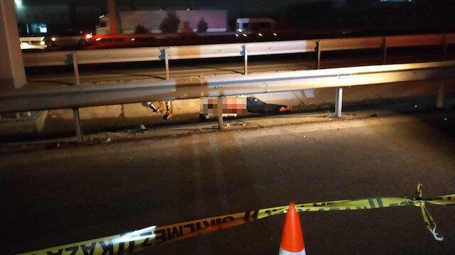 TEM'e giren yaya otomobil çarpınca olay yerinde hayatını kaybetti: Sürücü ise kaçtı
