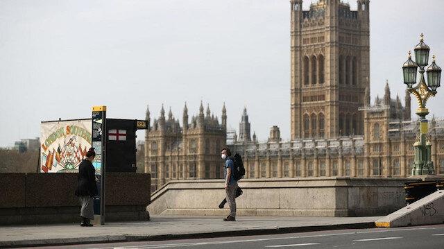 İngiltere'nin mutasyon kararı: Giriş-çıkışlar kapatıldı