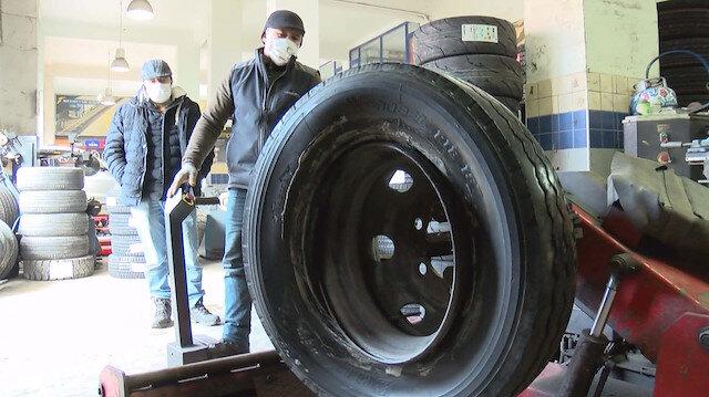 Kar yağınca lastikçiler doldu taştı: Kış lastiği kış gelince takılır kar yağınca değil