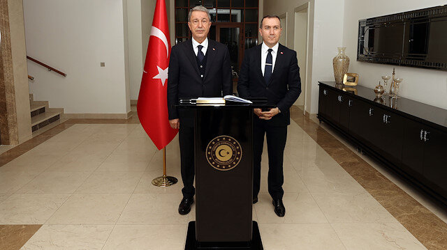 Bakan Akar ve Orgeneral Güler, Türkiye'nin Bağdat Büyükelçiliği'ni ziyaret etti