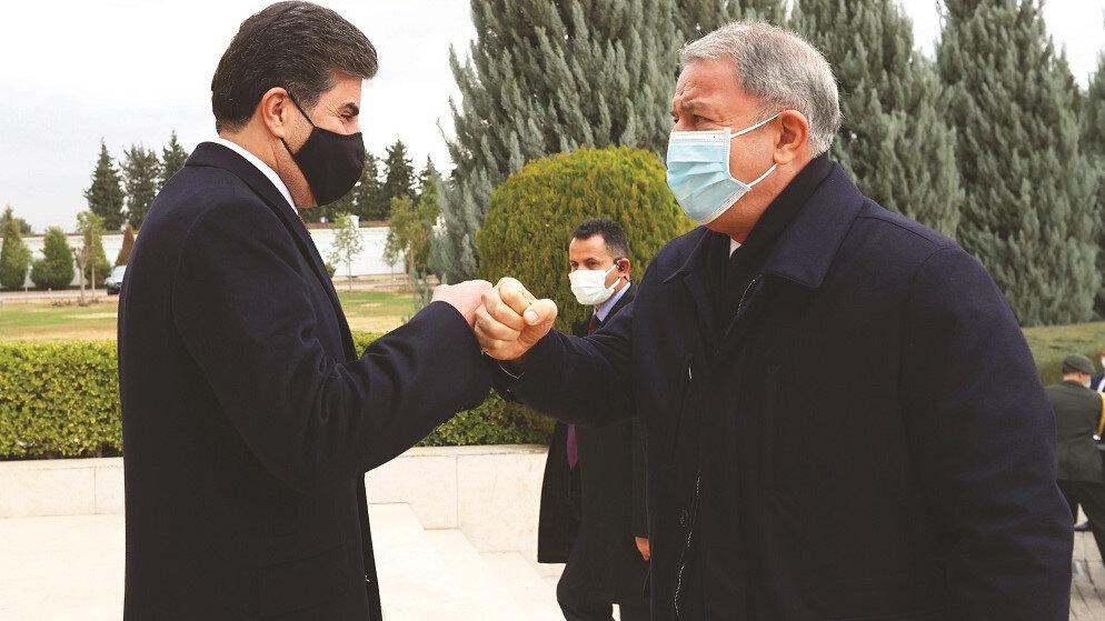 Hulusi Akar IKBY Başkanı Neçirvan Barzani ve Mesud Barzani ile ayrı ayrı bir araya geldi.