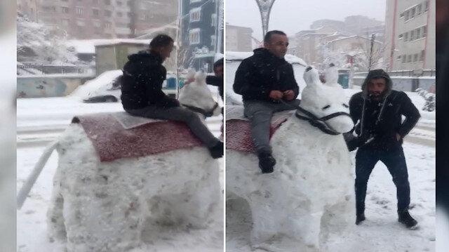 Hakkari'de kardan eşek yapıp bindiler