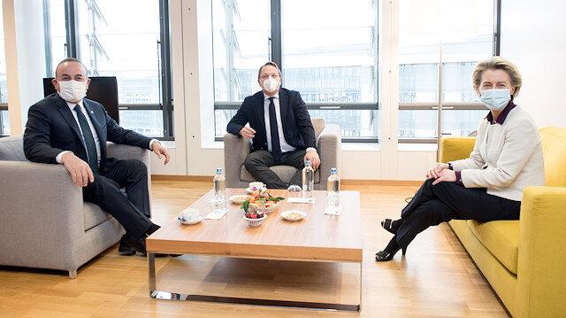 Bakan Çavuşoğlu AB Komisyonu Başkanı von der Leyen ile görüştü