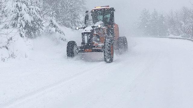 Kastamonu'da kar nedeniyle 87 köyle ulaşım sağlanamıyor
