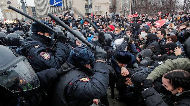 Fransa Rusya'da göstericilerin gözaltına alınmasını değerlendirdi: Hukuk devletine kabul edilemez saldırı