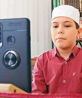 Çocuklar tatilde camiye 'çevrim içi' gidecek