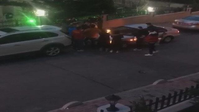Bağcılar'da bir grup genç yasağı umursamadan sokakta doğum günü partisi yaptı