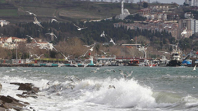 Marmara'da 4 gündür lodosun engel olduğu deniz ulaşımı normale döndü