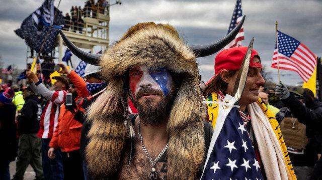 Mızraklı QAnon Şamanı Trump'ı suçladı: Aleyhinde ifade vermek istiyorum