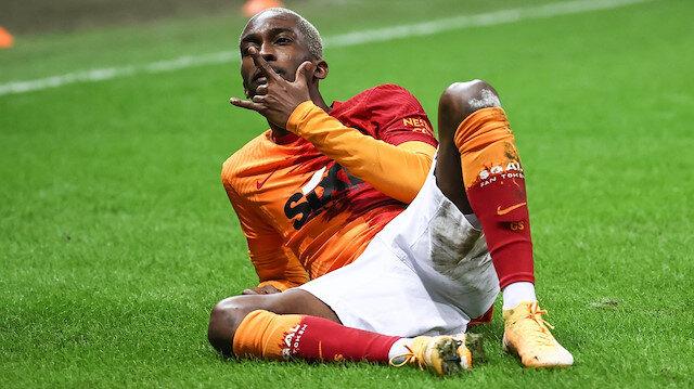 Aslan seriye bağladı: Donk yıldızlaştı yeni transferler gol attı