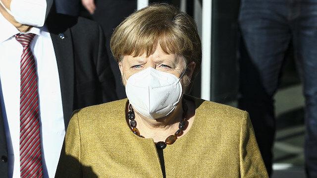 Merkel'den Kovid-19 aşı açıklaması: Yaz sonunda herkese aşı imkanı sağlamak istiyoruz