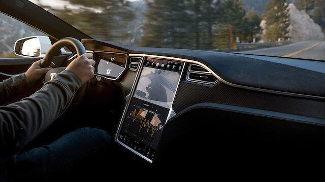 Tesla'da güvenlik sorunu: Araçlarını geri çağırıyor