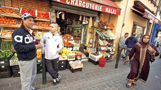 Fransa'da Müslümana hayat hakkı yok: Kapatmak için gerekçe bulun