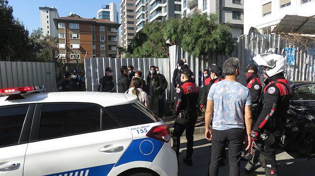Kadıköy'de fıstık çamı gerginliği: Mahalleli tepki gösterdi, ağacı kesenler kaçtı