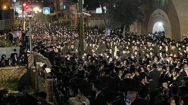 İsrail'de koronadan ölen hahamın cenaze törenine akın ettiler: Vaka sayısında patlama yaşanabilir