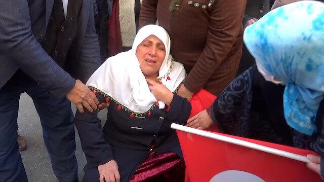 HDP önündeki eyleme katılan anne röportaj sırasında baygınlık geçirdi