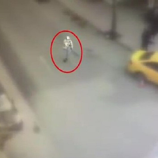 Sultangazide etrafa rastgele ateş eden magandalar kamerada