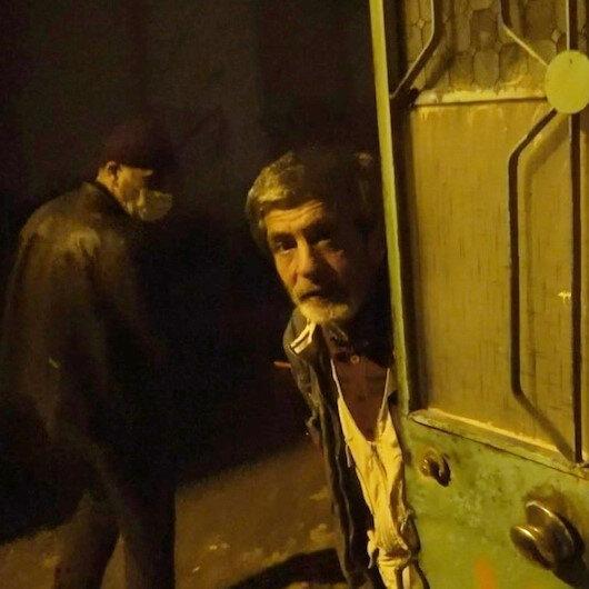Bursada polis kaçak meyhaneye dönüştürülen mekânı müşteri kılığında bastı