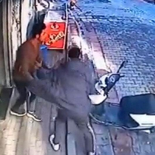 Kağıthanede piknik tüpünün fiyatını beğenmeyen adam marketçiye saldırdı