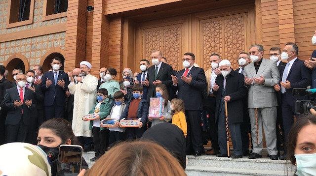 Cumhurbaşkanı Erdoğan Rize'de Ahmet Erdoğan Camii'nin açılışını yaptı