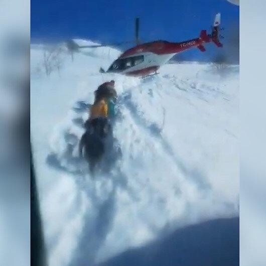 Van Gevaşta ambulans helikopter pilotu, Bu hastayı almadan gitmem diyerek helikopteri indirmeyi başarıyor