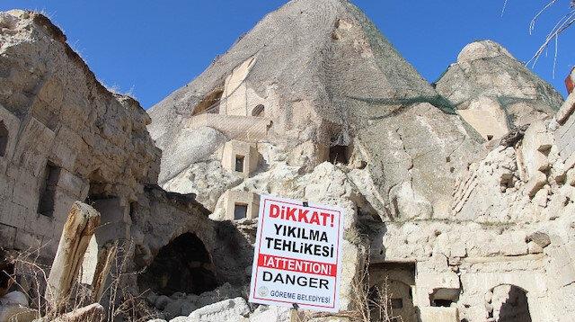 Kapadokya'da peribacaları yıkılıyor