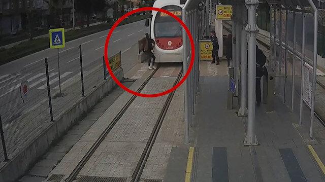 Samsun'da tramvay kazaları kameralara yansıdı