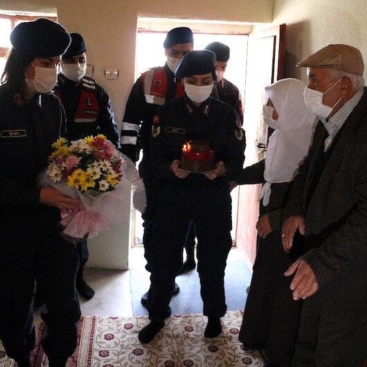 Yozgatta jandarmadan 50 yıllık evli çifte 14 Şubat sürprizi
