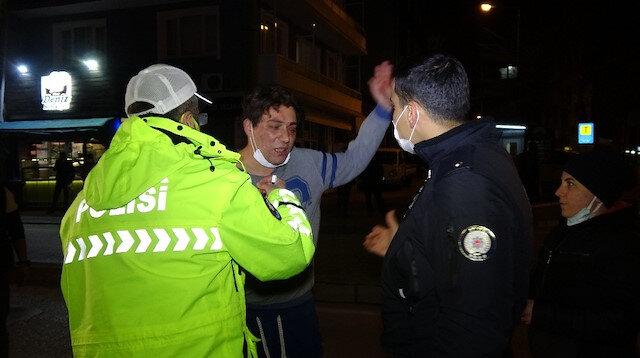 Bursa'da kısıtlamayı delen alkollü sürücü polisin üzerine yürüdü