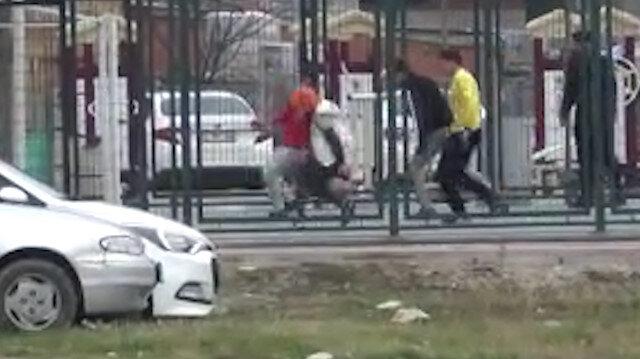 İnegöl'de gençler kısıtlamayı hiçe sayıp top oynadı