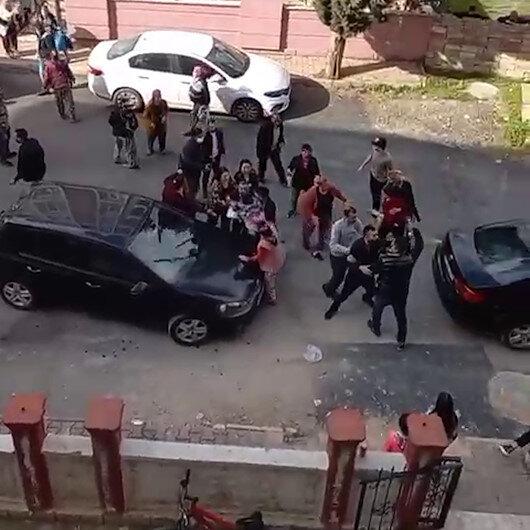 Antalyada komşular birbirine girdi, ortalık savaş alanına döndü