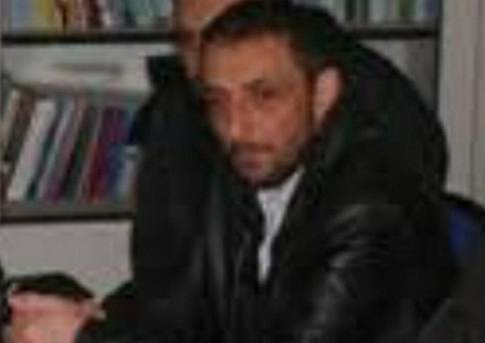 Oğuz Taner Ekmenci (50), 2 çocuk annesi karısı Mihrican Ekmenci'yi (46) evlerinde boğazından bıçaklayarak öldürdü.