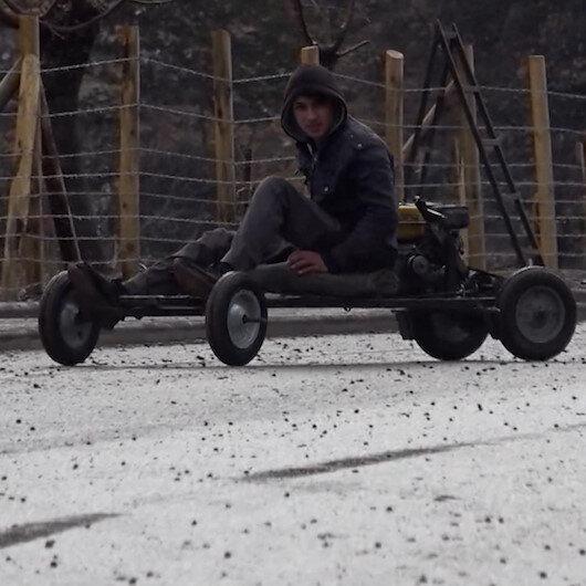 Konyada lise öğrencisi, babasının tamir atölyesinde mini araç yaptı
