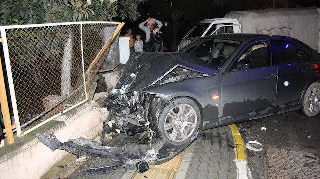 Kazada kulağı kopan araç sürücüsü aracını bırakıp ambulansa binmemek için direndi