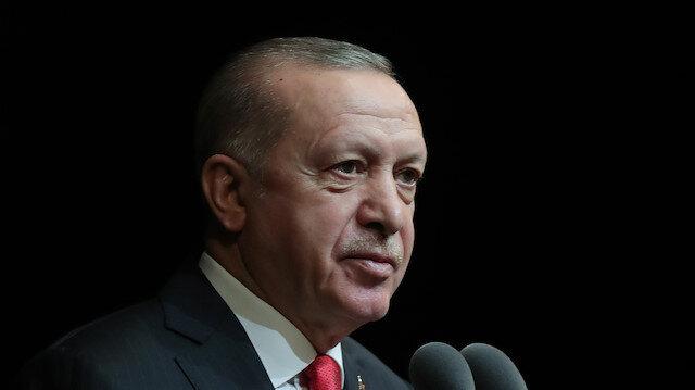 Cumhurbaşkanı Erdoğan: Türkçedeki çürümeye 'dur demek' mecburiyetindeyiz