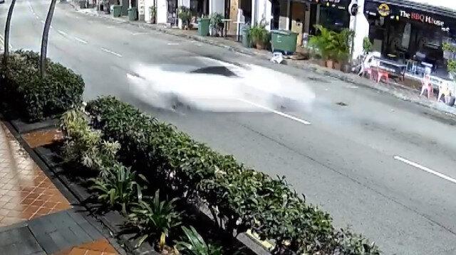 Singapur'da lüks otomobil dehşeti: Araçtan çıkamayan 5 kişi hayatını kaybetti