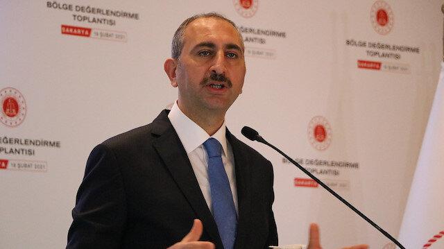 Adalet Bakanı Gül:  Herkesin amasız ve fakatsız terörle mücadeleye taraf olması şarttır