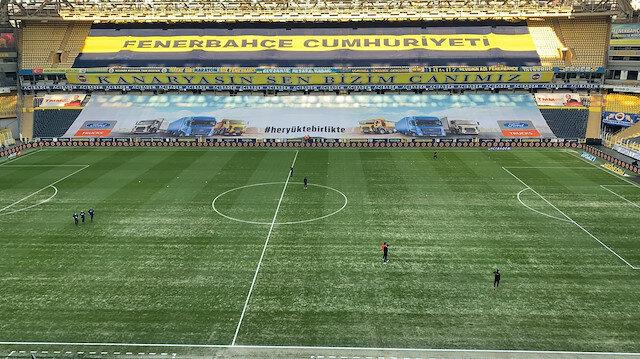 Fenerbahçe-Göztepe maçında Kadıköy'de zeminin son durumu tartışma konusu oldu